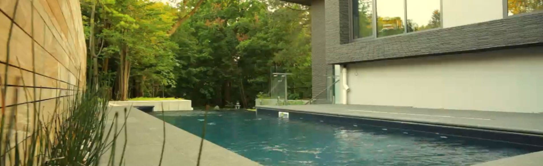 modern home pool | Kelowna Life Real Estate