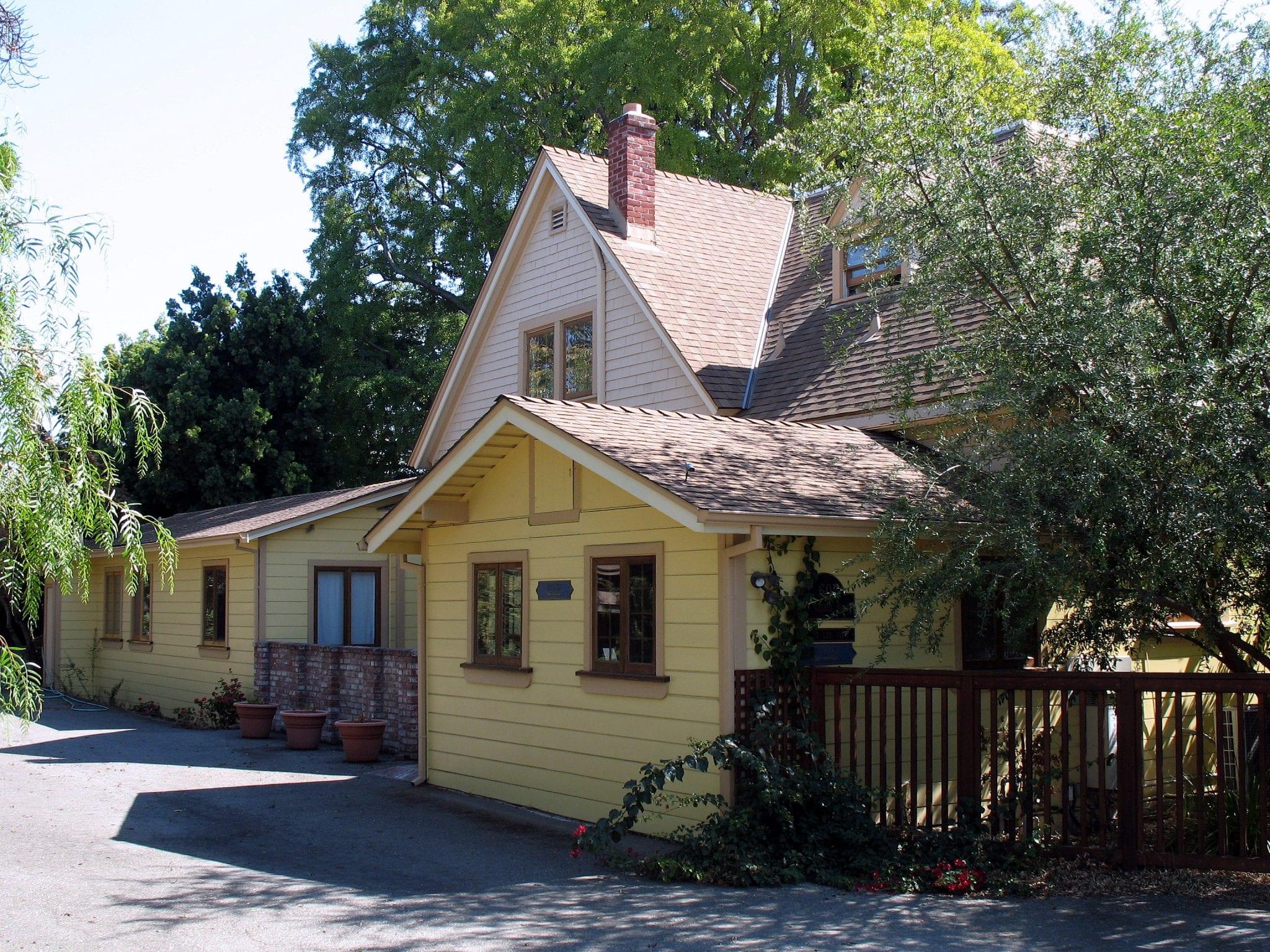 Kelowna Real Estate - Carriage Houses